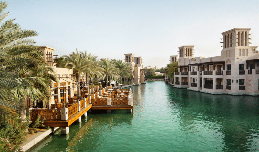 eat out in Dubai